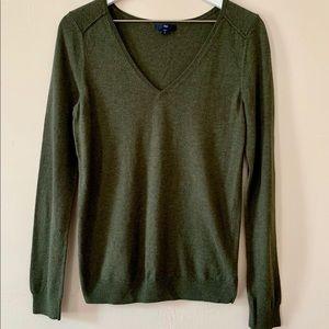 Gap Lightweight V Neck Sweater